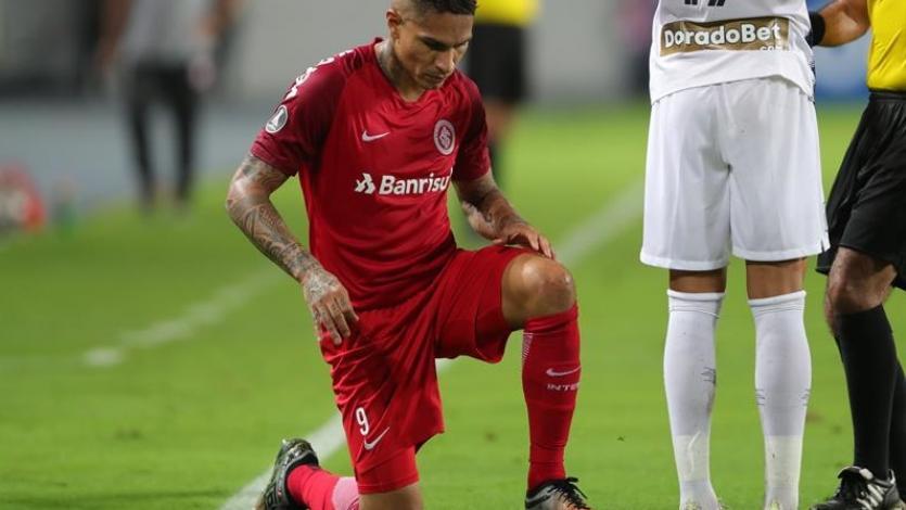 Copa Libertadores: Paolo Guerrero fue reemplazado por precaución