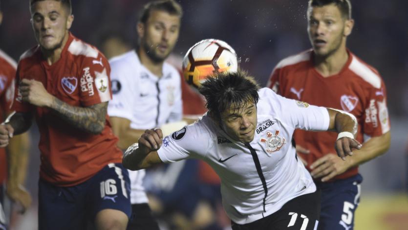 Corinthians sorprendió a Independiente en Argentina