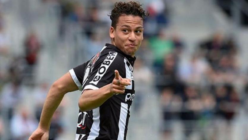 Cristian Benavente renovó con el Charleroi hasta 2022