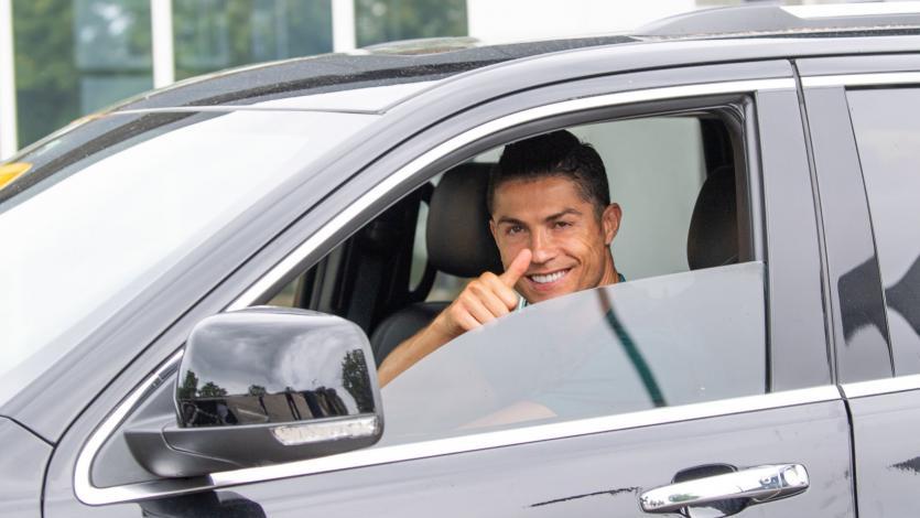 Juventus: Cristiano Ronaldo volvió al centro de entrenamiento en Turín luego de dos meses (FOTOS)