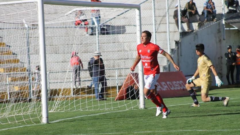 """Walter Ibáñez: """"Este equipo tiene las ganas de volver a Cienciano a Primera División"""""""