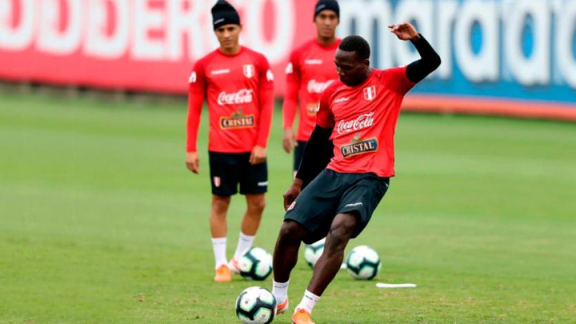 """Luis Advíncula: """"Estar fuera de la Selección Peruana fue bastante duro. La pasé horrible"""