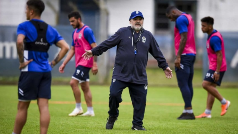 Diego Maradona dejó de ser el técnico de Gimnasia La Plata