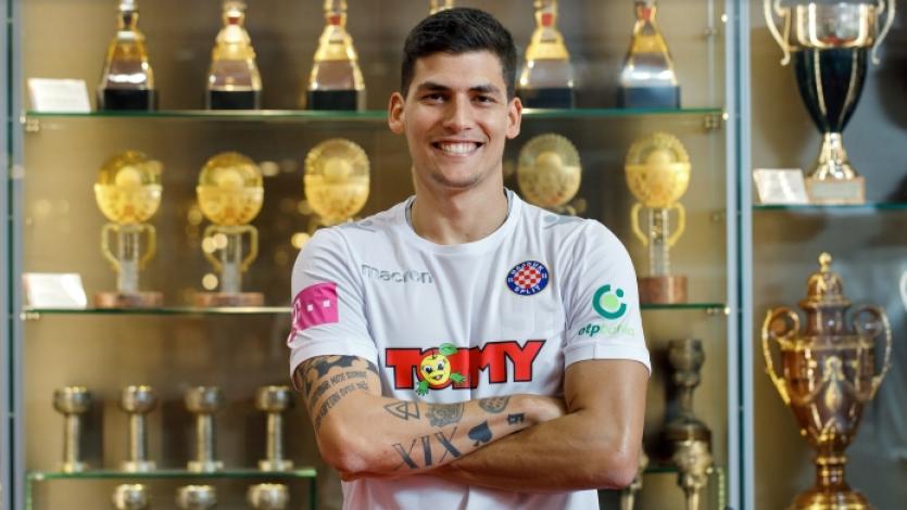 Iván Bulos dejó el Boavista de Portugal para jugar en el Hadjuk Split de Croacia