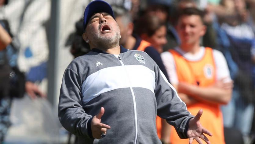 Gimnasia perdió 2-1 ante Racing Club en el debut de Diego Maradona que llenó el estadio (VIDEO)