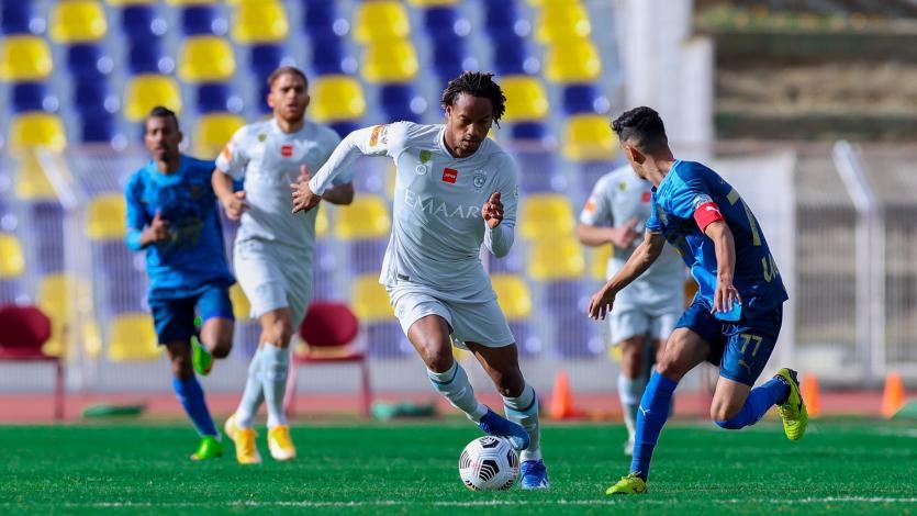 André Carrillo fue titular en contundente triunfo 5-0 del Al-Hilal como visitante