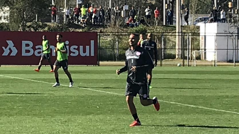 Paolo Guerrero tuvo su primer entrenamiento con el Inter de Porto Alegre