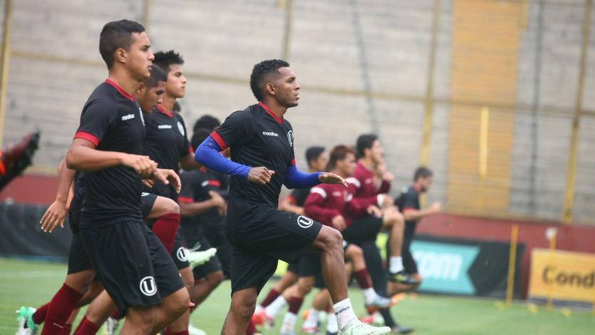 Universitario de Deportes entrenó en el Monumental
