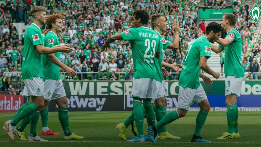 Werder Bremen, con Claudio Pizarro, sumó su primer triunfo en la Bundesliga