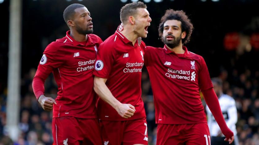 Liverpool supera al Fulham y le mete presión al Manchester City