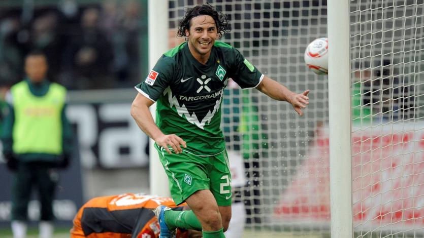 Claudio Pizarro: Werder Bremen recordó la última visita del ariete al Weserstadion