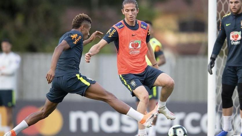 Filipe Luis cerca del Flamengo para pelear el puesto con Miguel Trauco