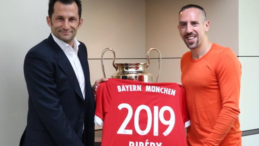 Franck Riberý renueva con Bayern Múnich hasta 2019