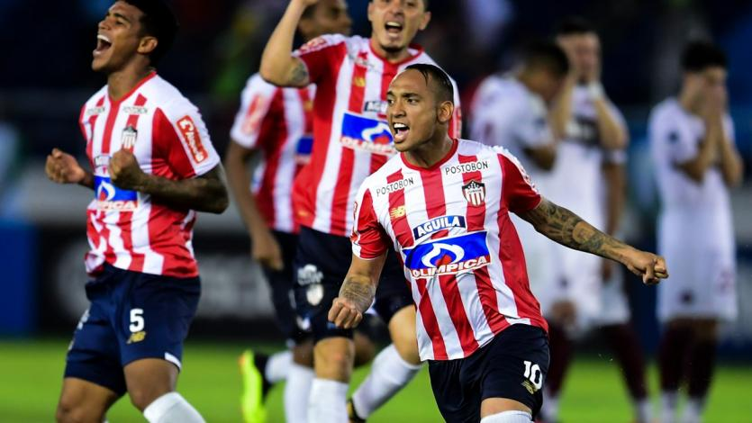 Junior eliminó a Lanús por penales (3-2)