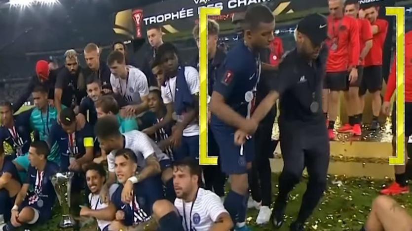 Kylian Mbappé encendió la polémica tras retirar a Neymar de la foto de celebración (VIDEO)