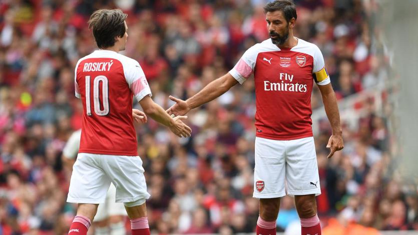 Las leyendas del Arsenal vencieron a las leyendas del Real Madrid en partido benéfico