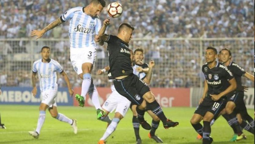 Copa Libertadores: Gremio gana la primera definición frente a Atlético Tucumán