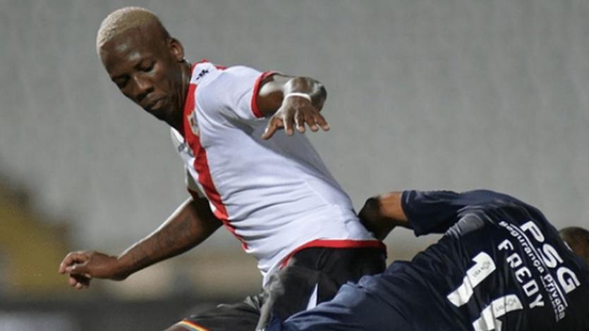 Luis Advíncula fue elegido mejor jugador de agosto en el Rayo Vallecano