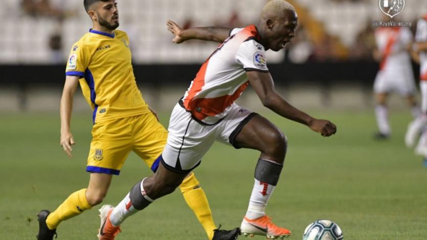 Luis Advíncula debutó con Rayo Vallecano mientras su futuro en el equipo sigue en el aire (VIDEO)