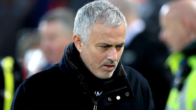 Manchester United destituye a José Mourinho