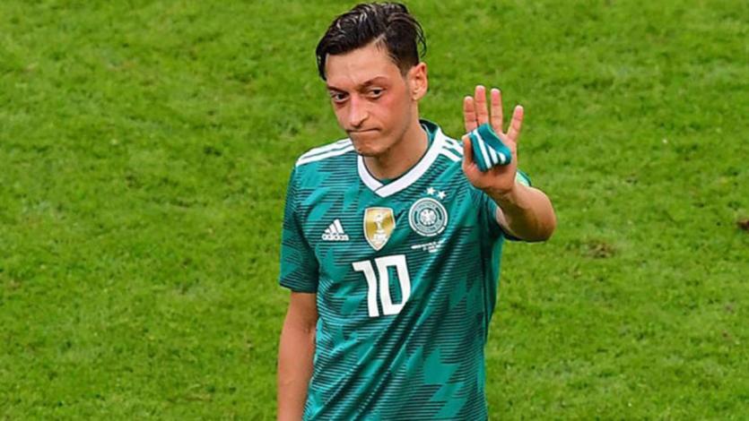 Mesut Özil se retiró de la Selección Alemana