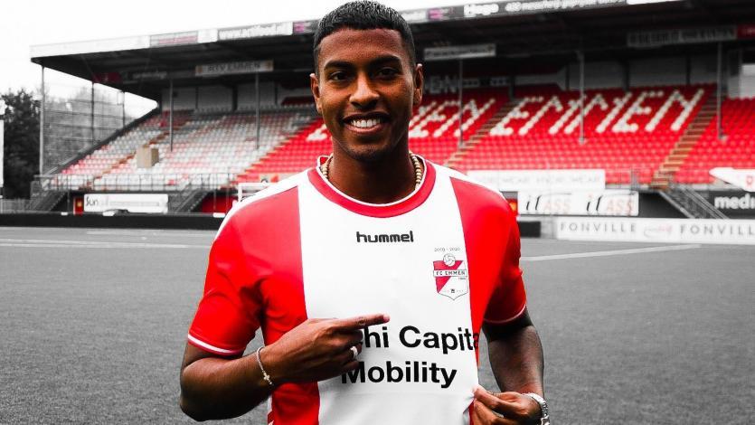 Miguel Araujo recibió saludo de cumpleaños del FC Emmen mientras espera su oportunidad de jugar