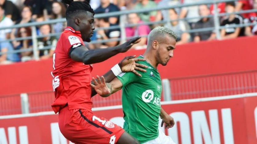 Saint-Étienne: Miguel Trauco tuvo milagroso cierre de gol con salida limpia y fue clave en el triunfo (VIDEO)
