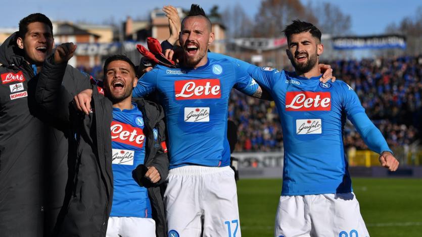 Napoli saca 3 puntos de oro en Atalanta
