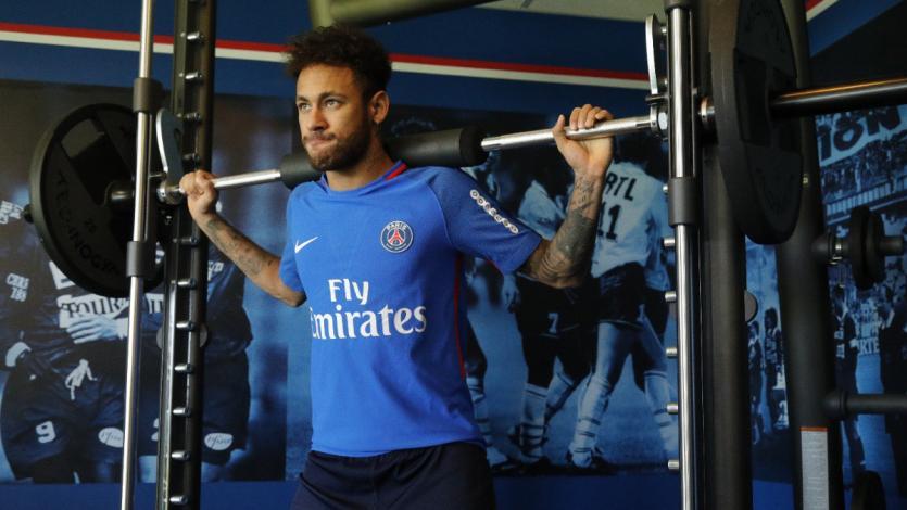 Neymar volverá a entrenar con balón este domingo