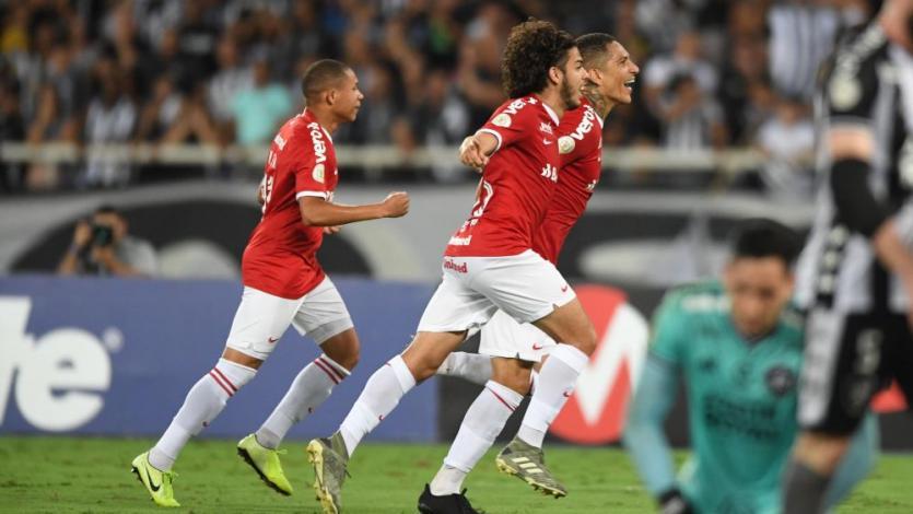 Paolo Guerrero anotó gol con que Internacional venció a Botafogo por el Brasileirao (VIDEO)