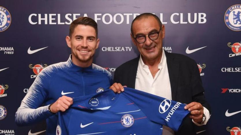 Chelsea hace oficial los fichajes de Maurizio Sarri y Jorginho