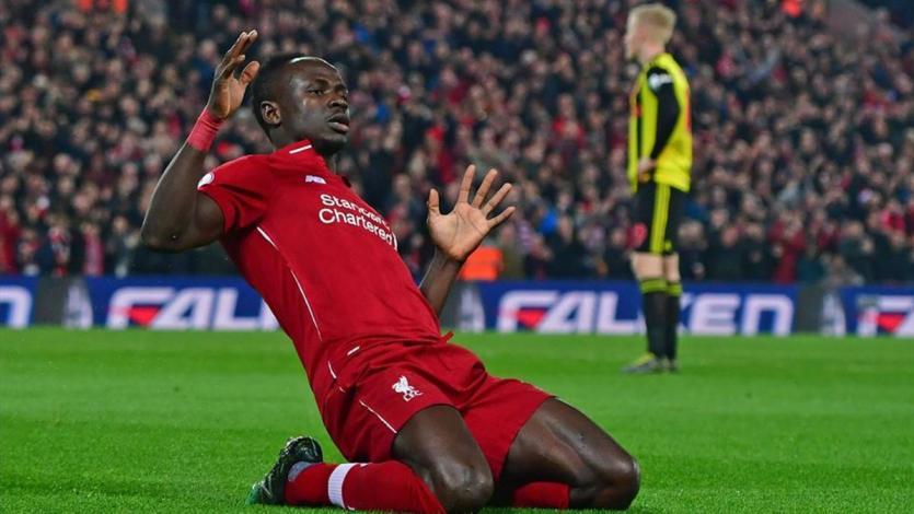 Premier League: Liverpool golea y sigue líder