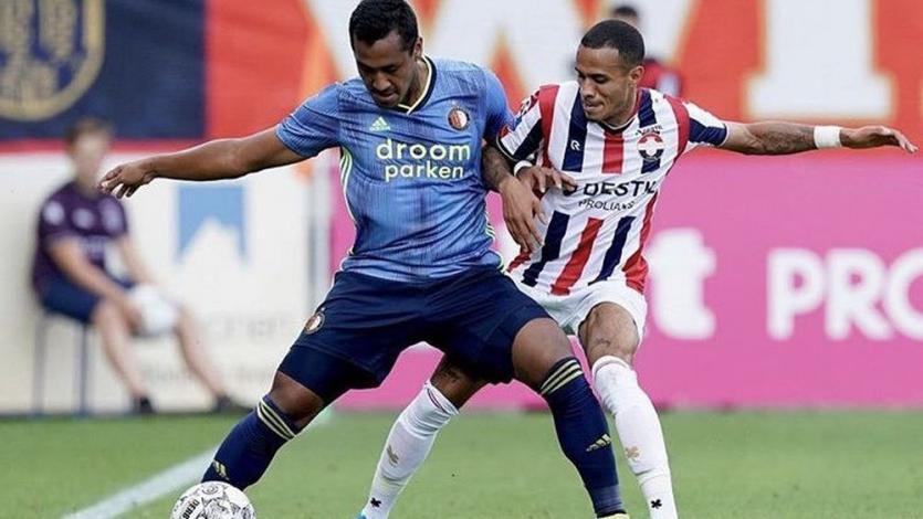 Renato Tapia disputó su séptimo partido consecutivo como titular en victoria del Feyenoord