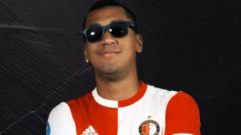 Renato Tapia es titular en partido del Feyenoord que anunció su vuelta al once de forma peculiar