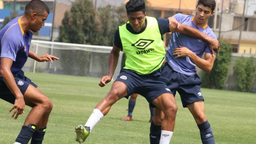 San Martín venció a Deportivo Municipal en amistosos