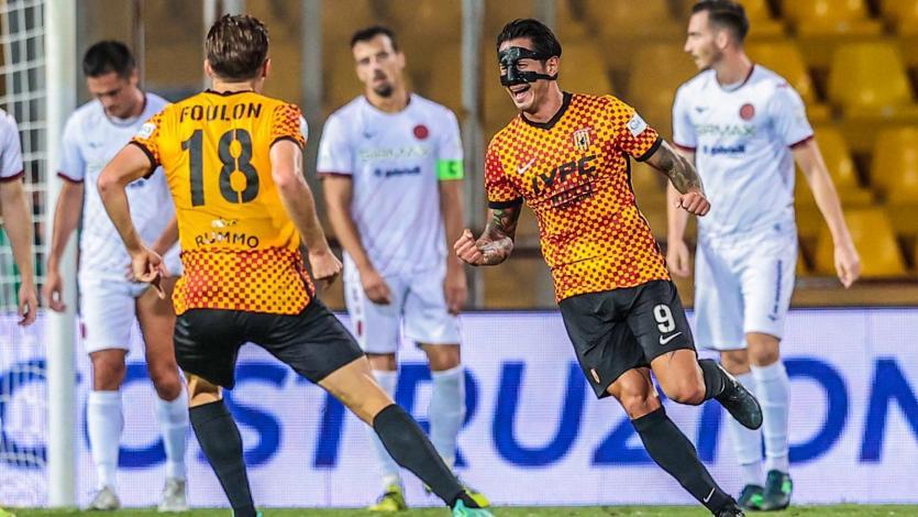 Serie B: Gianluca Lapadula anotó un triplete y le dio la victoria al Benevento (VIDEO)