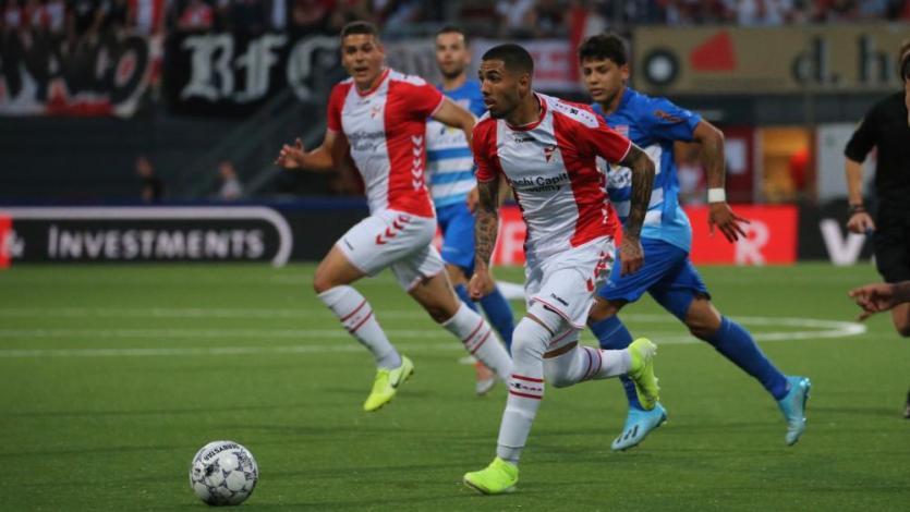 FC Emmen: Sergio Peña fue la figura de su equipo tras convertir dos golazos y recibió gran noticia
