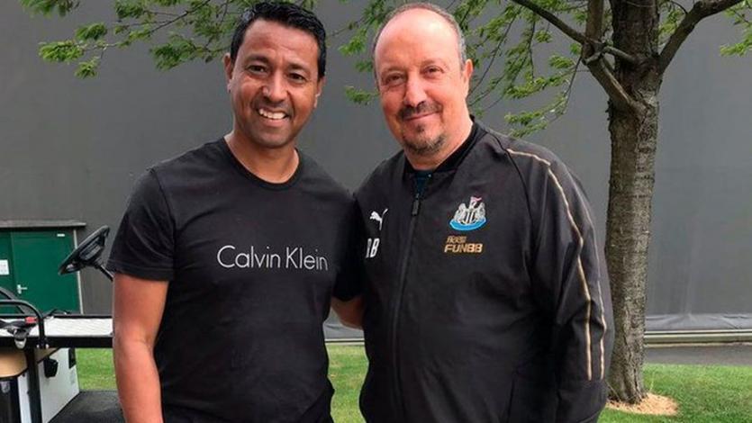 Nolberto Solano presenció las prácticas del Newcastle