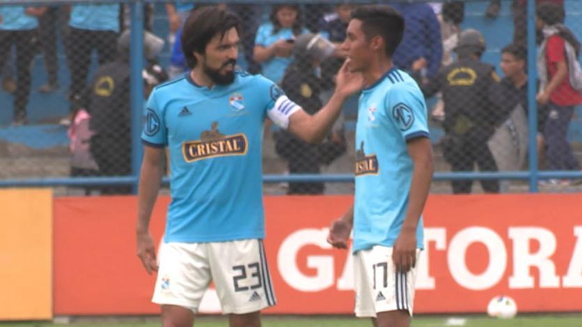 Sporting Cristal: La reacción de Brandon Palacios tras fallar un gol insólito y el apoyo de Jorge Cazulo (VIDEO)