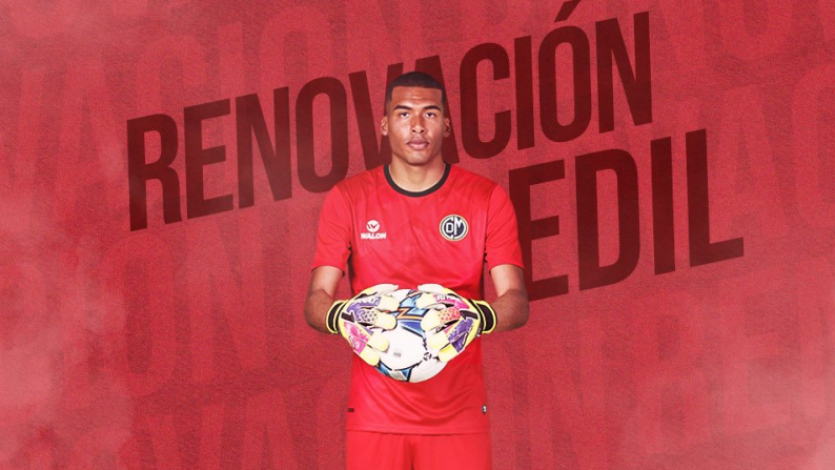 Steven Rivadeneyra renovó contrato con Deportivo Municipal