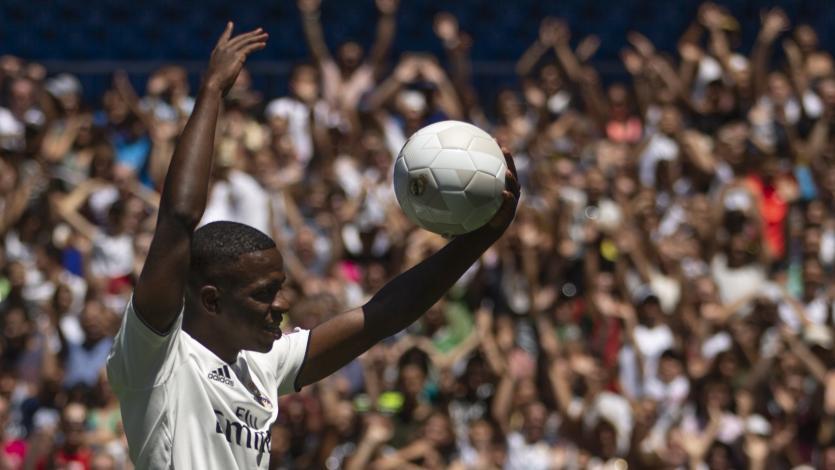 Vinicius Junior fue presentado en el Santiago Bernabéu