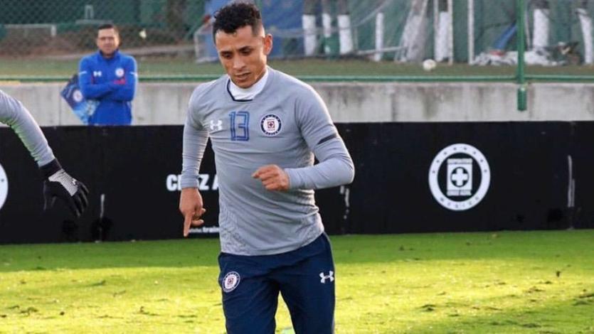 Yoshimar Yotún jugó sus primeros minutos con Cruz Azul