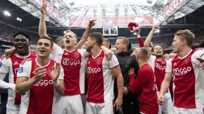 Ajax supera al Utrecht y es virtual campeón de la Eredivisie