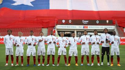 Chile vs Perú: así entonó el himno nacional la bicolor (VIDEO)