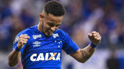 Cruzeiro goleó a Vasco Da Gama y se acercó a la clasificación
