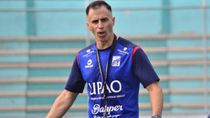 Carlos A. Mannucci hizo oficial la salida del técnico uruguayo Pablo Peirano