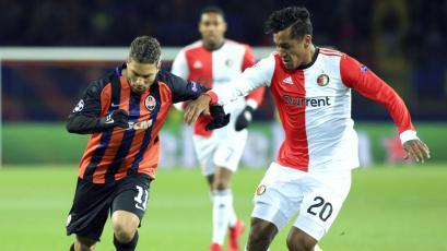 Renato Tapia cayó de visita con el Feyenoord