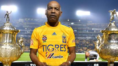 Gerónimo Barbadillo recibió un merecido homenaje por parte de Tigres y la Liga MX
