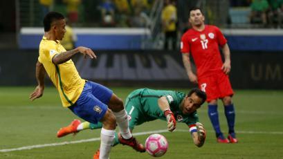Brasil goleó a Chile y dejó a la estrella solitaria sin Mundial