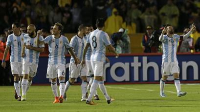 Argentina se clasificó al Mundial, tras vencer a Ecuador (1-3)